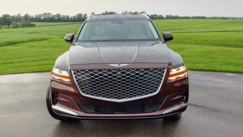 Why the 2021 Genesis GV80 is *BETTER* than Bentley Bentayga! #shorts